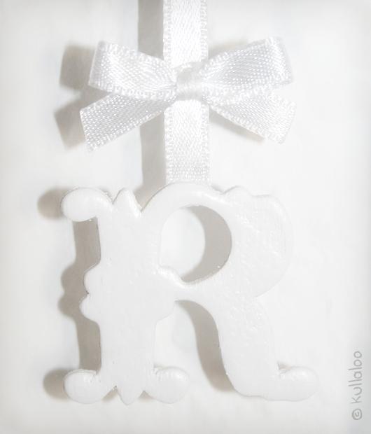 Taufgeschenk selber machen: Bilderrahmen mit Name - Detailansicht