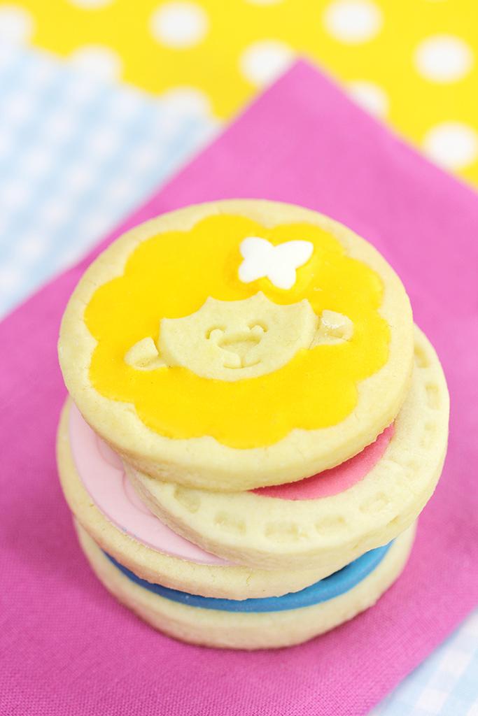 Kinder Backset: Plätzchen mit Keksstempeln