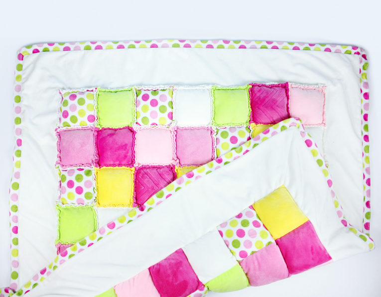 Patchworkdecke selber nähen: Rag Puff Quilt (Vorder- und Rückseite)