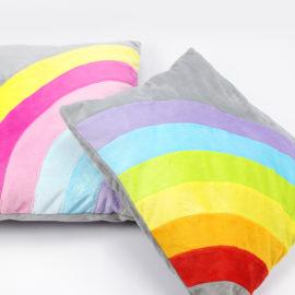 Kostenloses Schnittmuster Regenbogenkissen