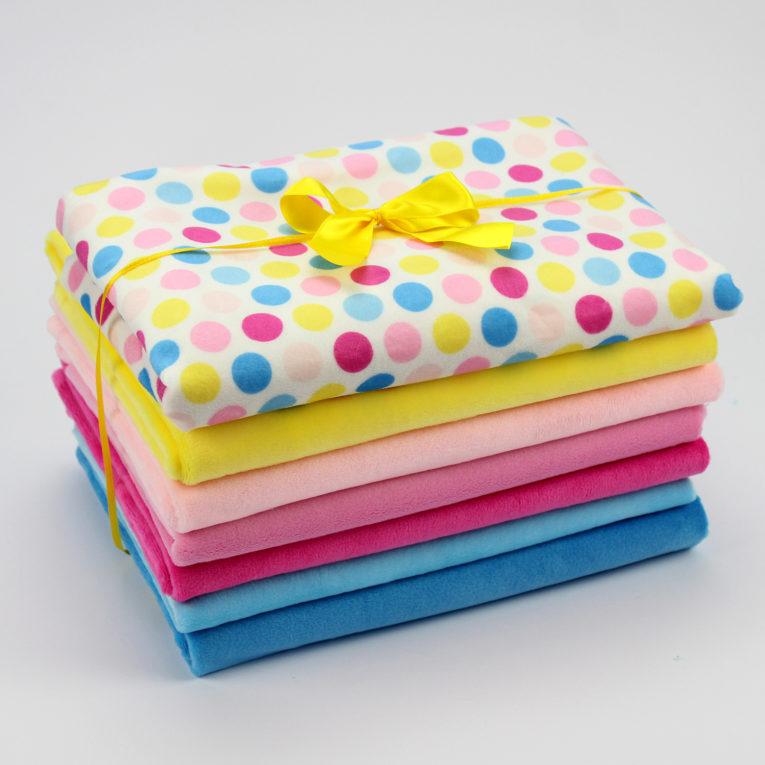 Plüschstoffe Farbkombination rosa, pink, gelb, blau und Hula Dots