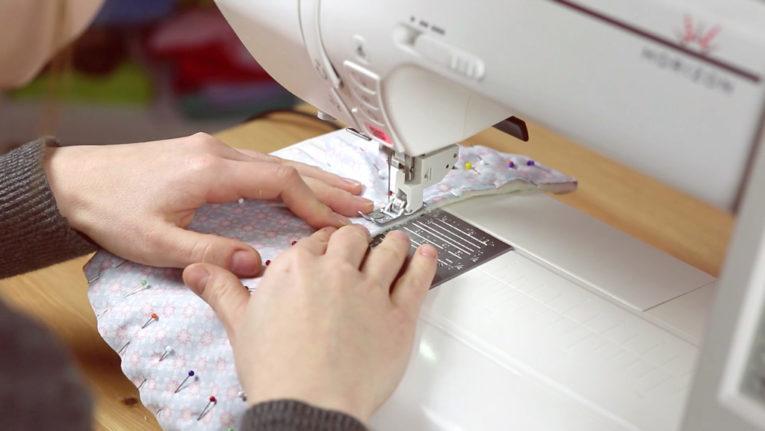 Dreieckstuch / Baby Halstuch nähen Anleitung: Zusammennähen