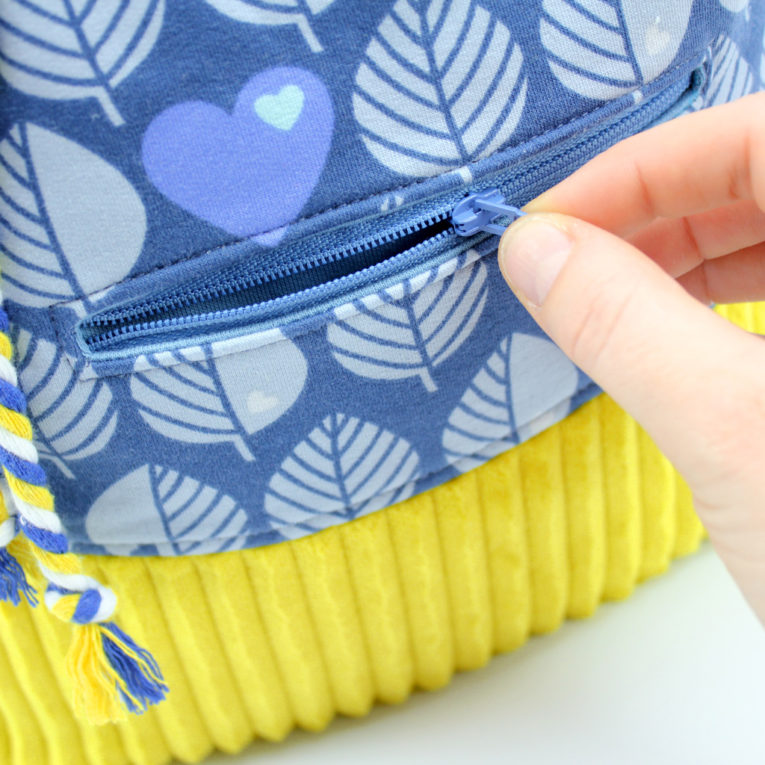 Rucksack nähen Anleitung: Reißverschlusstasche