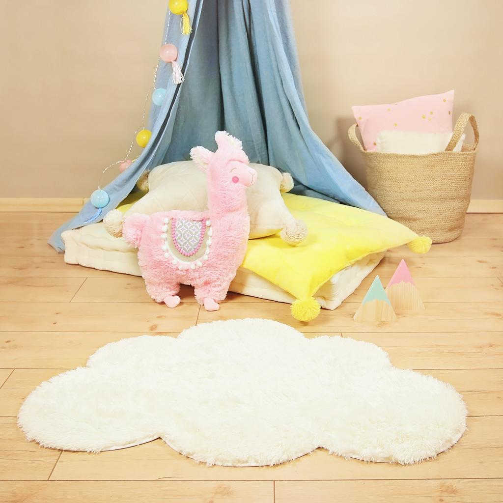 kuscheln f r die f e teppich selber machen aus pl sch kullaloo. Black Bedroom Furniture Sets. Home Design Ideas