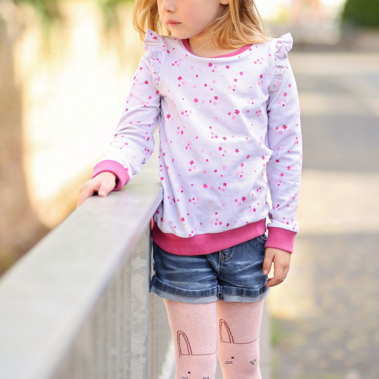 "Schnittmuster Pullover Kinder: Rüschenshirt ""MERRY"""