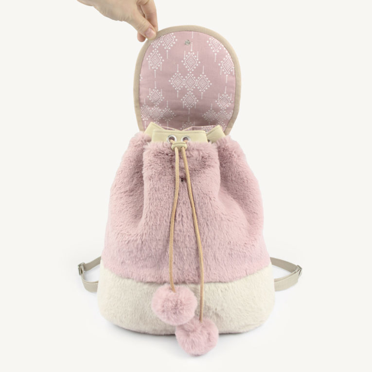 """Schnittmuster zum Rucksack selber nähen: """"JÖRG"""" genäht aus Fluffy Rabbit Kunstfell"""