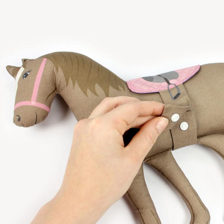 """HORSE LOVE"" Pferde Cut & Sew Stoff Panel: Mit abnehmbarem Sattel!"