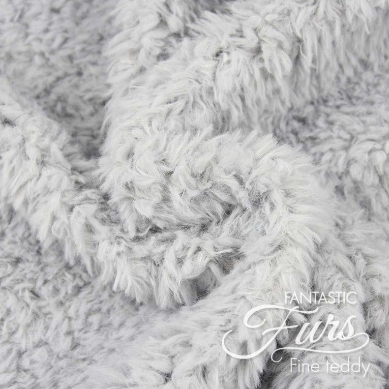 Teddyplüsch Meterware hellgrau – 10 mm Fine Teddy ✶ FANTASTIC Furs
