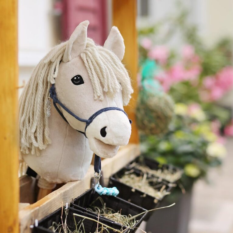 "DIY Hobby horse ""HOLLY"" with light beige BIG MERINO wool mane"