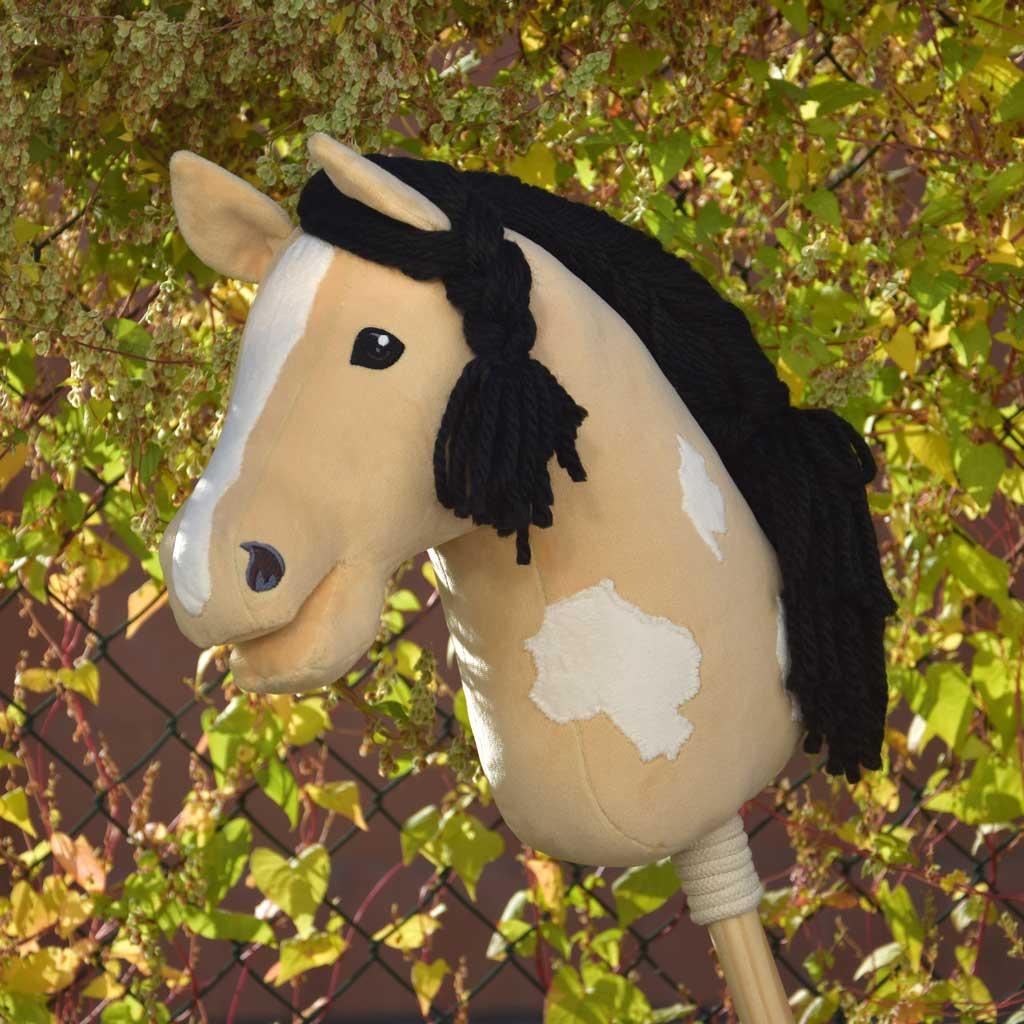 Hobby Horse Flecken von Hand applizieren: Falbe mit Tobiano-Scheckung
