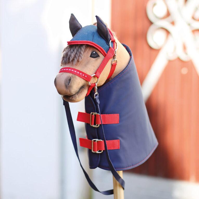 Hobby Horse HOPE: Brauner mit eingenähten Nüstern, Decke & Fliegenohren