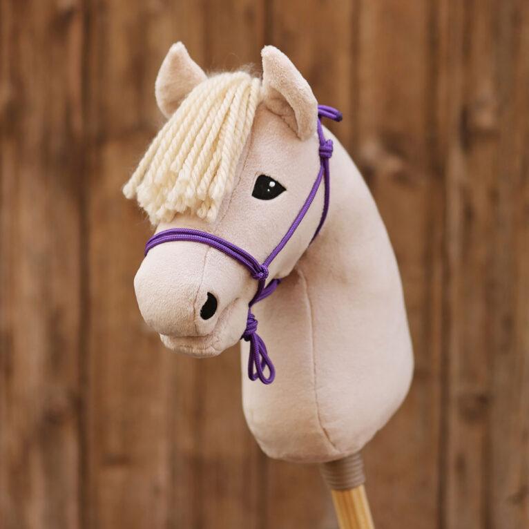Hobby Horse HOPE: Haflinger mit Knitenhalfter in lila
