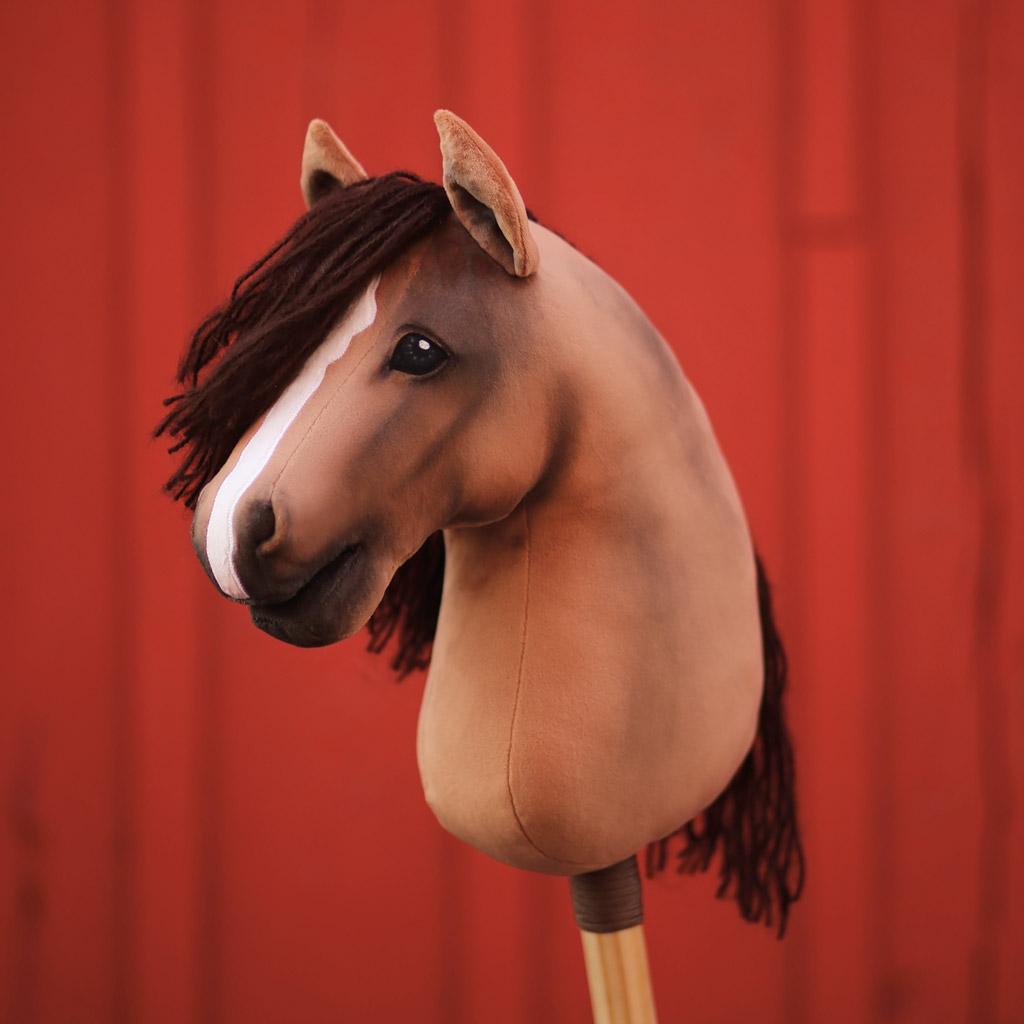 Hobby Horse mit Stoffmalfarbe schattieren