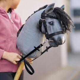 Hobby Horse einfache Trense basteln mit Leder in schwarz