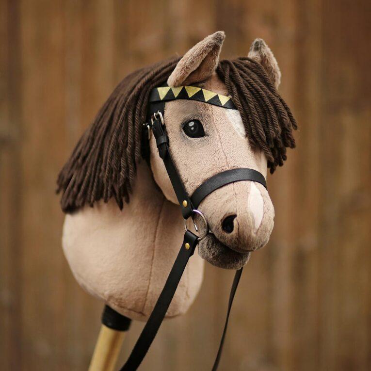 Hobby Horse Trense selber basteln mit Materialset und Leder in schwarz